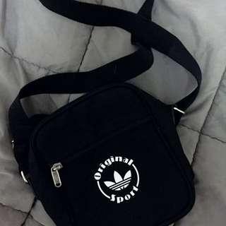 Adidas 三葉草 單肩包 側背小包 黑