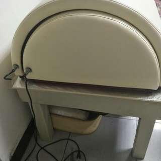 電暖床  適合剛按摩結束用或冬天用  效果很棒 也可以塗些精油((自取哦