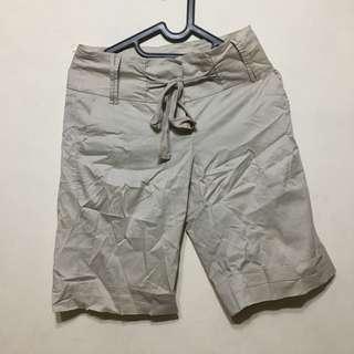 Celana Warna Kaki