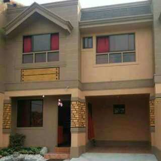 Affordable townhouse in ugong valenzuela