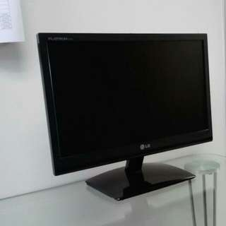 LG Computer Monitor 17 inches