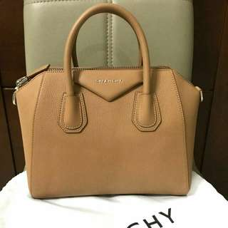 READY STOCK GIVENCHY Small Antigona in Medium Beige Grained Leather @14,750,000jta