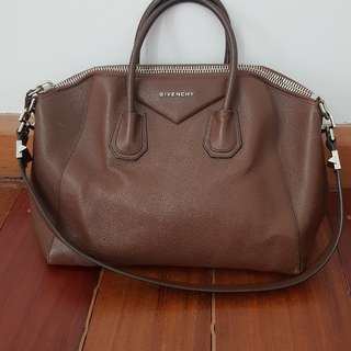 Givenchy Antigona Medium Size