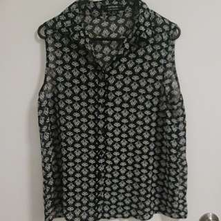 Size S Printed Top with Collar