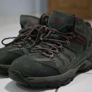 Rei Trekking Shoes 45
