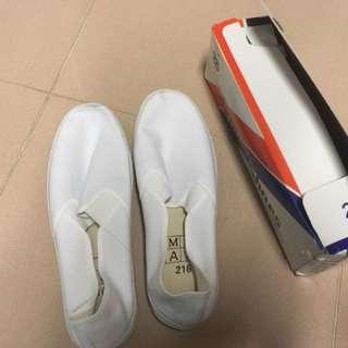 白布鞋 41號 99%新