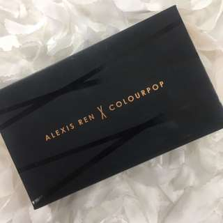 Alexis Ren X Colourpop 聯名修容打亮盤