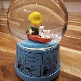 Peanuts musical snow globe Christmas