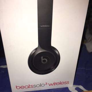 🚚 Beats Solo3 Wireless 亮黑色 蘋果iPhone專用(免運)