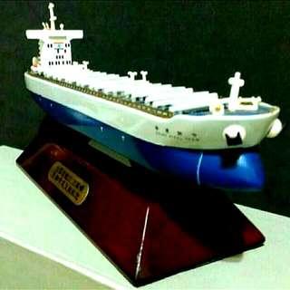 中鋼輪下水典禮紀念模型船