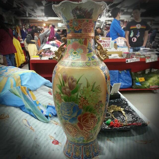 有一點年代的描金花瓶
