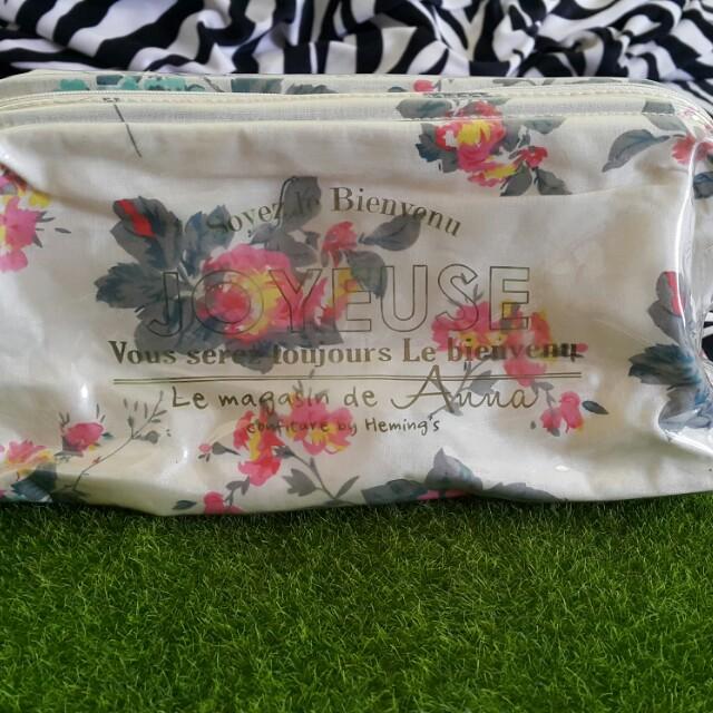 日本大容量防水化妝包