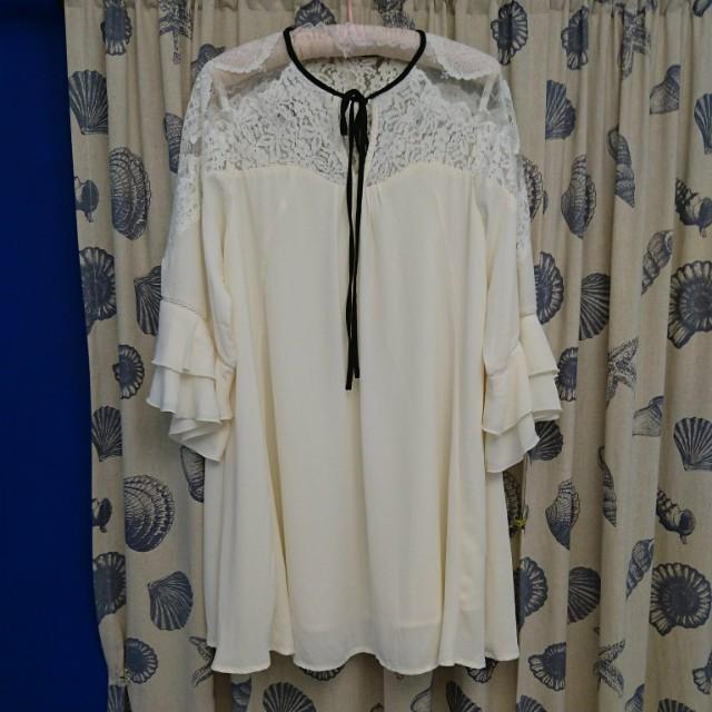 縷空蕾絲雪紡長版上衣