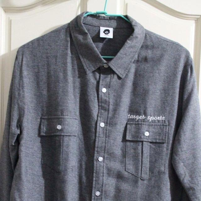 灰色 target 襯衫