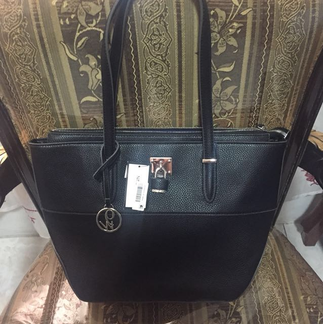 07b834cd02b7 Authentic US bags (nine west)