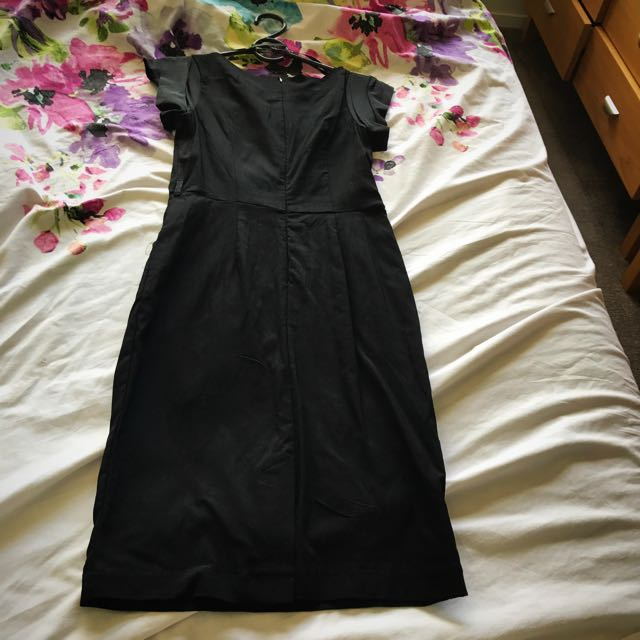 Black fitted dress size 8