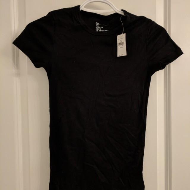 BNWT Gap shirt (retails $20)