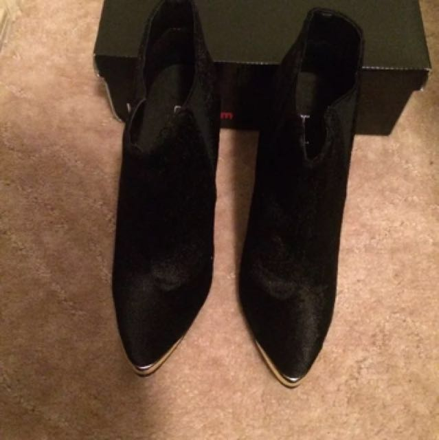 Boohoo Hope Velvet Touch Pointed Ankle Boots Size7/38