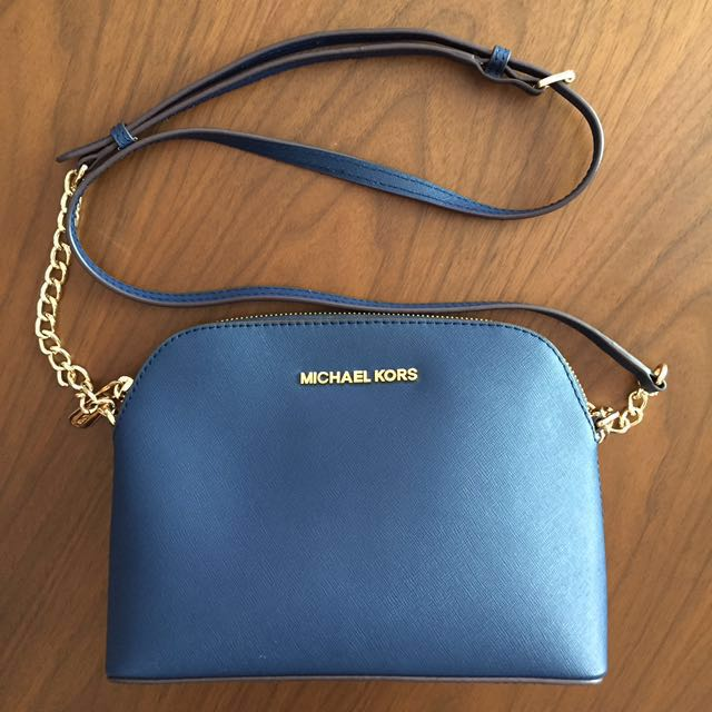 6844dd8b8bda BRAND NEW Authentic Michael Kors Cindy Large Dome Saffiano Leather ...