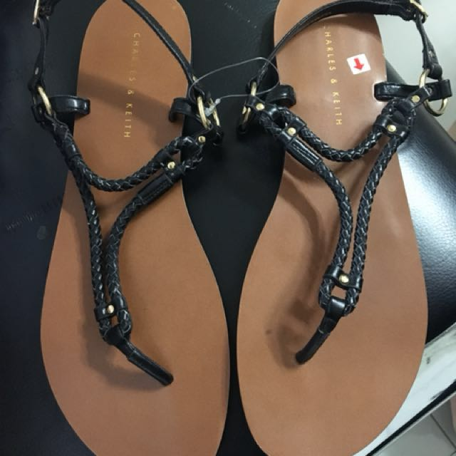 Charles & Keith Flats Size 8