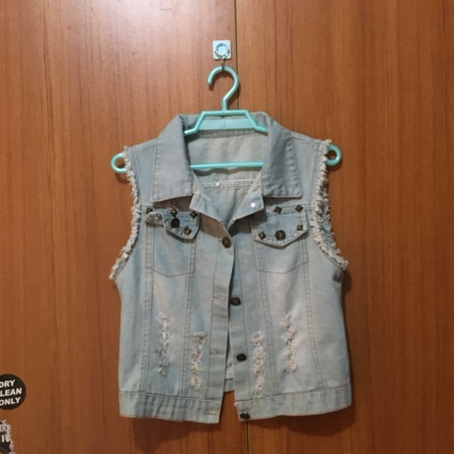 Denim sleeveless vest