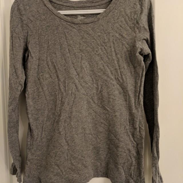Gap grey shirt