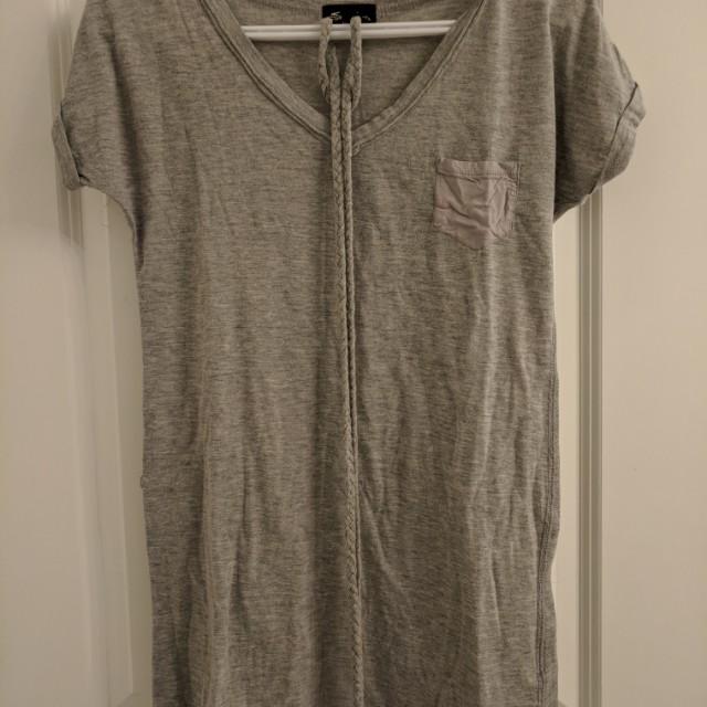 Grey shirt with braid belt