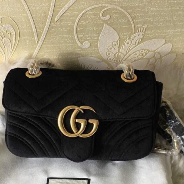f9cc6a5d531461 Gucci Velvet Black Sling Bag, Women's Fashion, Bags & Wallets on Carousell
