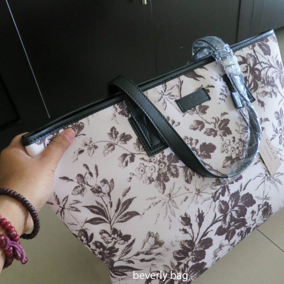 jual tas Gucci Tote Flower LEATHER MIRROR - white 596b129f4d