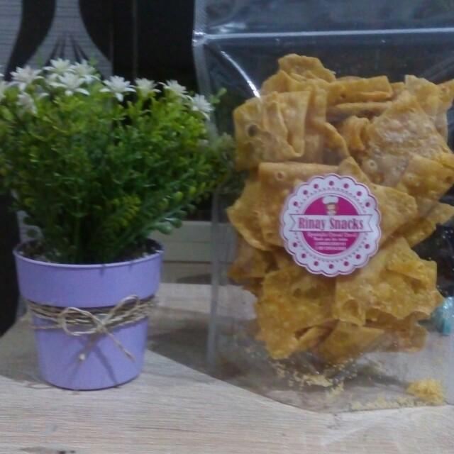 Keripik bawang Rinay Snacks