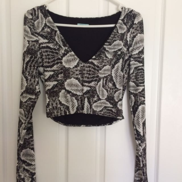 KOOKAI Long Sleeve Vneck Snake Print Top