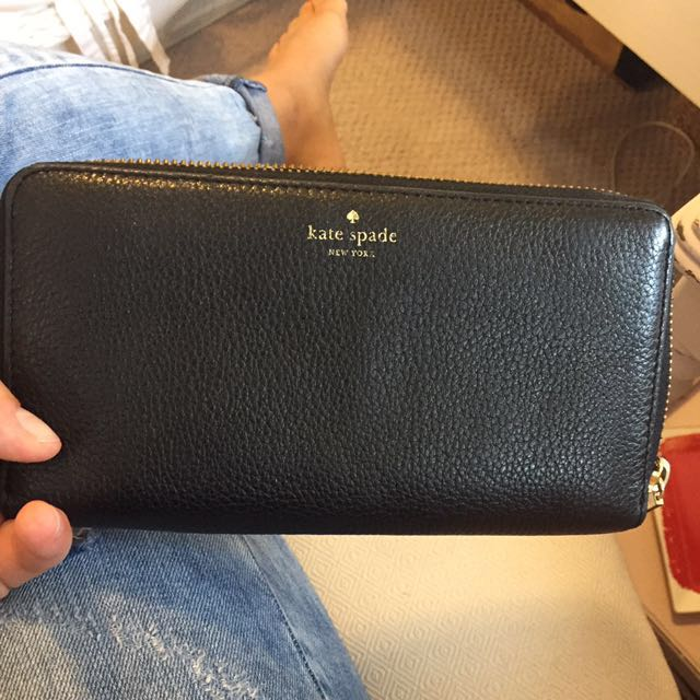 Lightly used Kate spade wallet black pebble