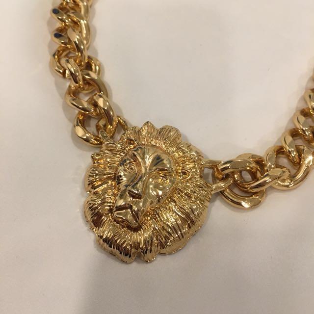 Lion face thick gold necklace