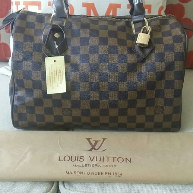 Loui vuitton Damier new with Lock