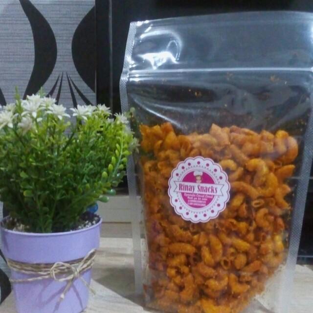Makaroni Ngehe Rinay Snacks