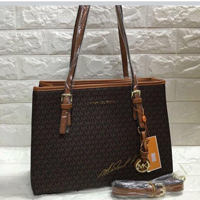 Michael Kors Jetsetter Bag