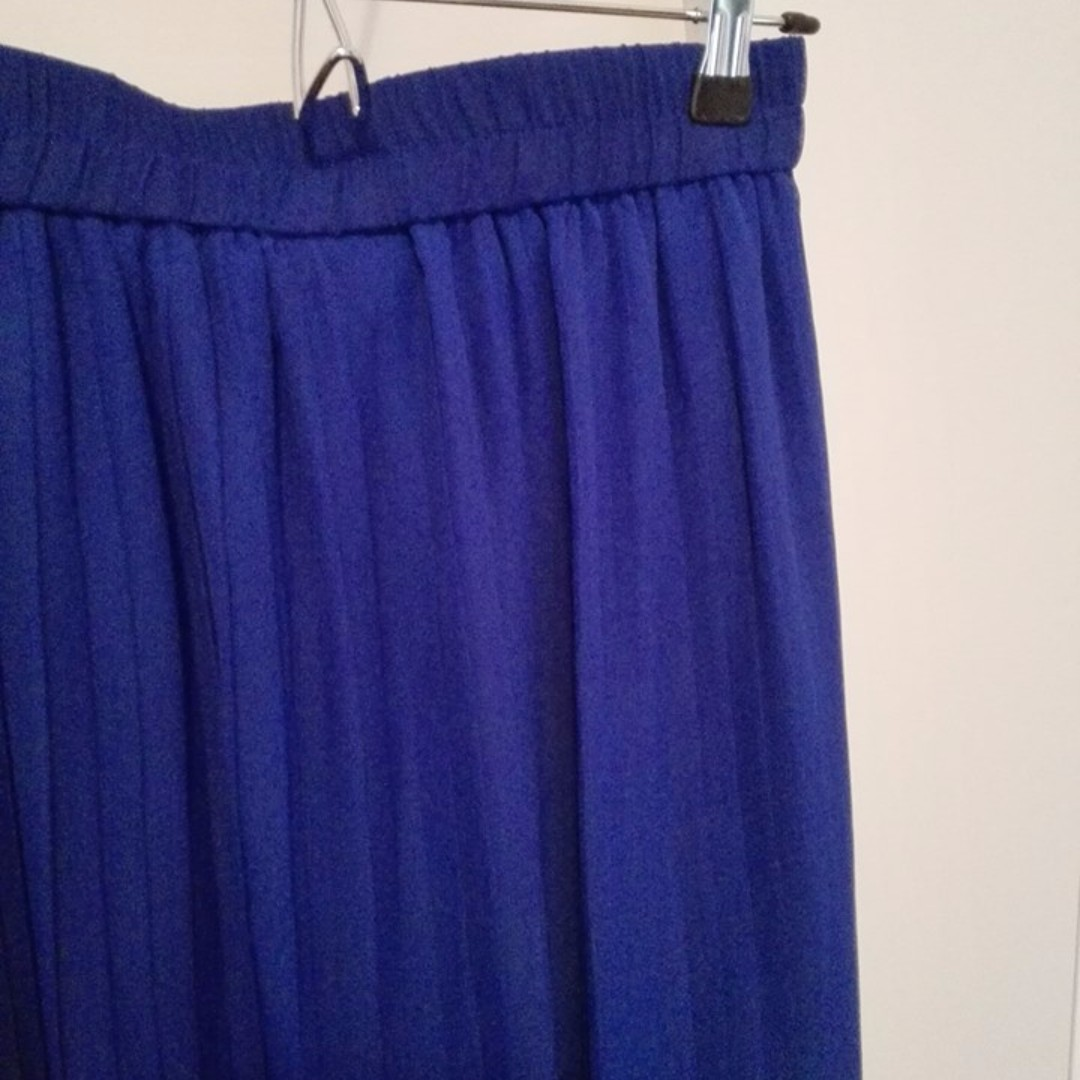 Mint Condition Pleated Maxi Skirt 12