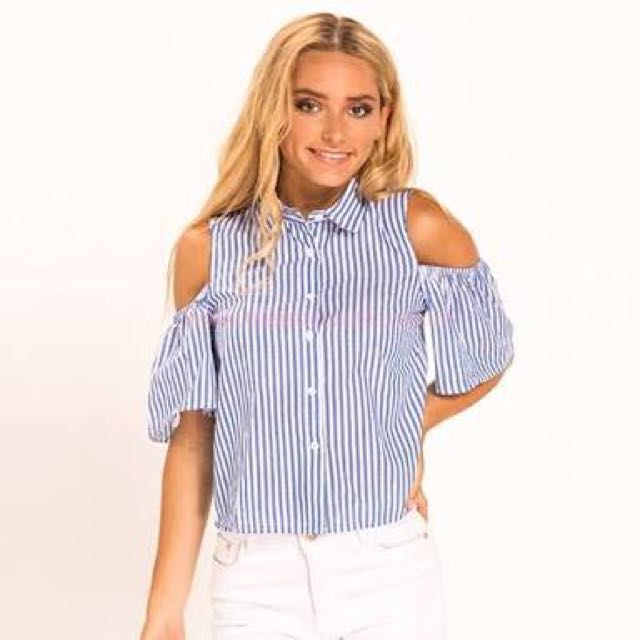 Mooloola cold shoulder top - size 8 as new