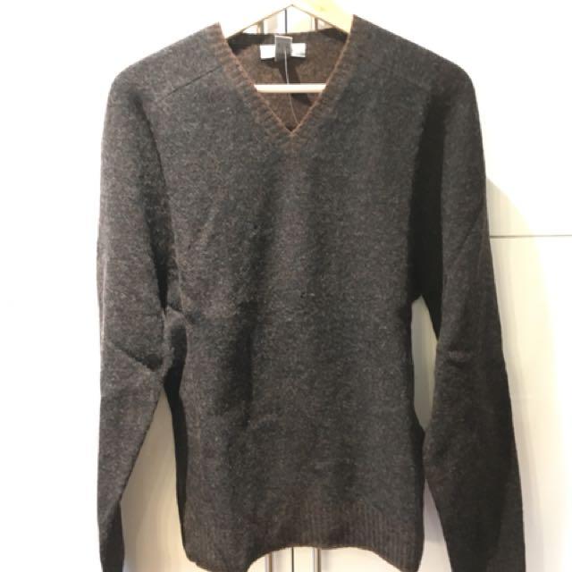 NEW 100% wool sweater size M