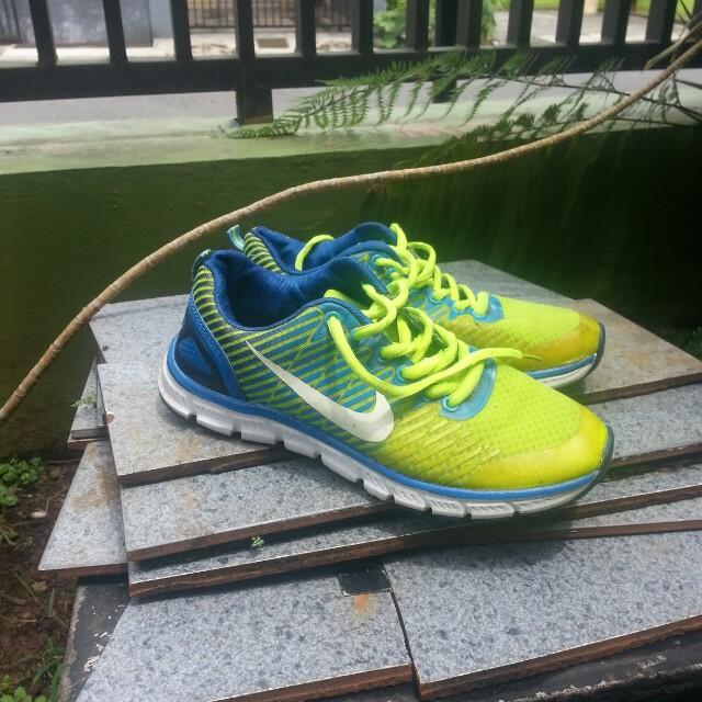Nike runing womens