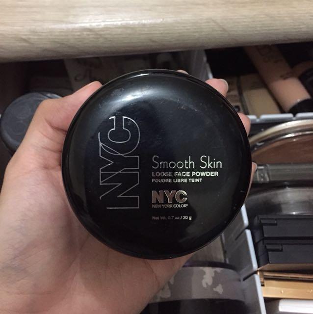 Nyc smooth skin loose powder