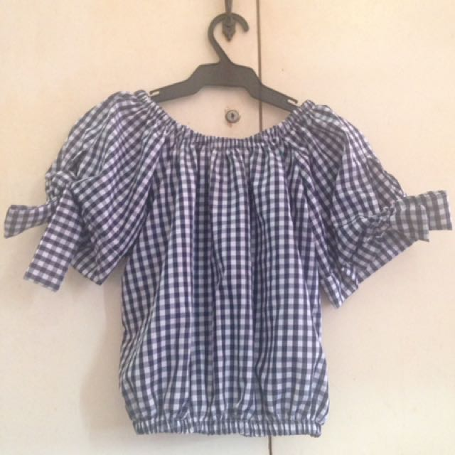 Off shoulder black & white checkered bow sides top