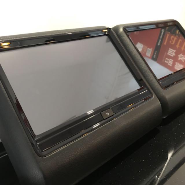 Porches 原廠後枕頭影音設備 兩台一組 八成新 功能正常 SY908
