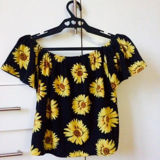 Preloved Off Shoulder