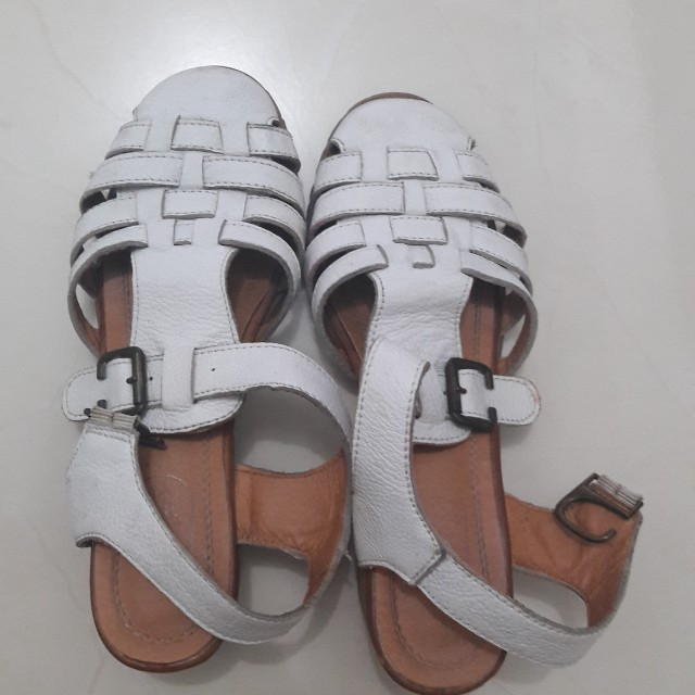 Preloved white Shoes