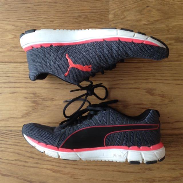 Puma runners size 8