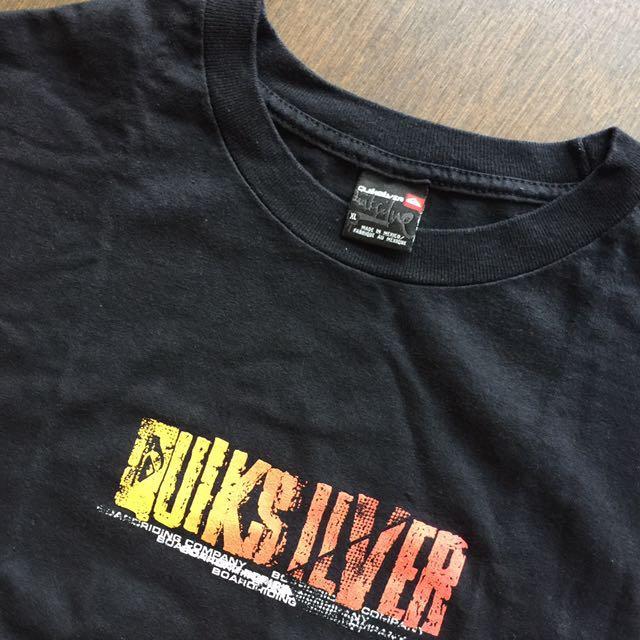 正品Quiksilver 黑色T-shirt