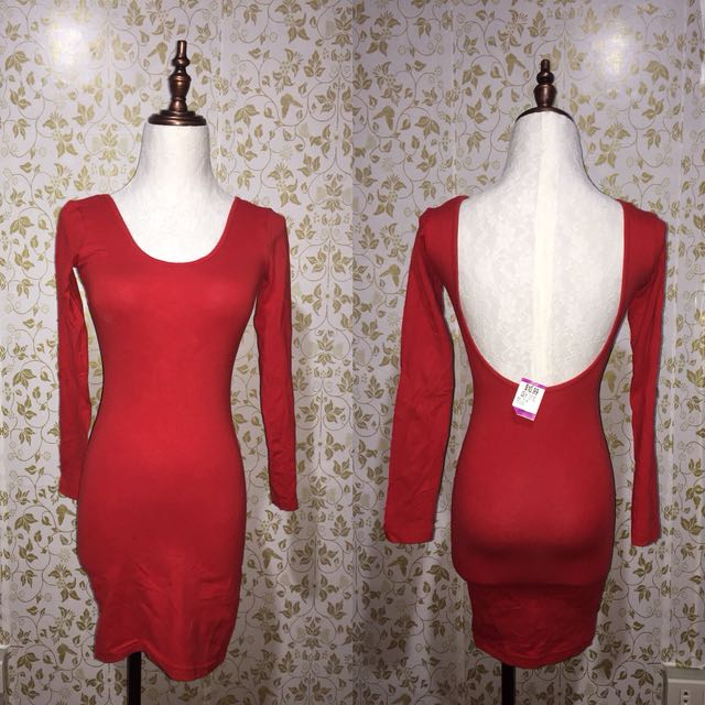 Red backless Dess