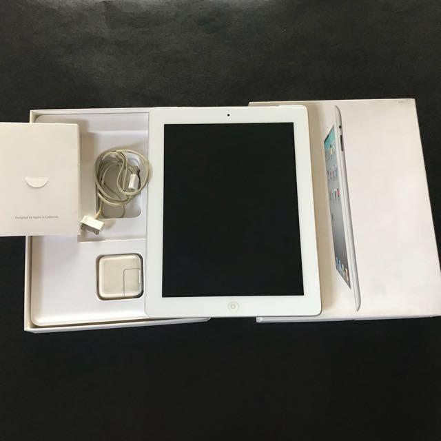 RUSH SALE iPAD 2 Wi-Fi 3G 64GB White
