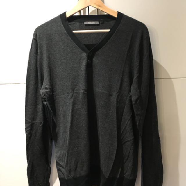 RW&Co. sweater size M